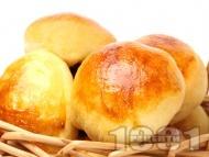 Рецепта Домашни питки с мая и масло